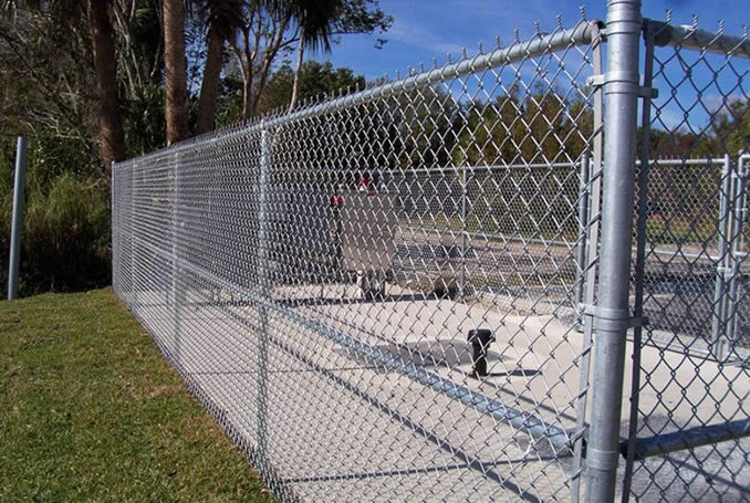 Galvanized Steel Chain Link Fence Panels Portable For Security Fencing Uses