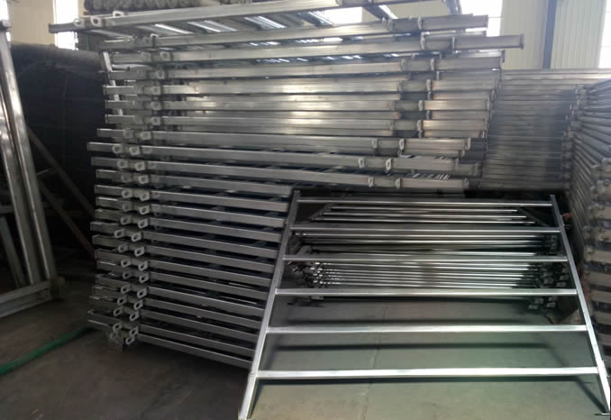 6 Rails Portable Fencing Yard Panels